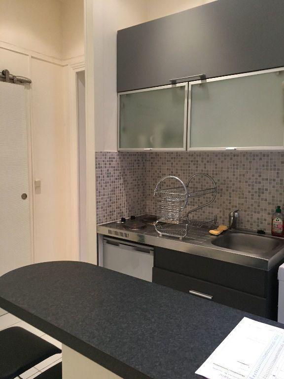Appartement à louer 2 32.33m2 à Paris 17 vignette-3