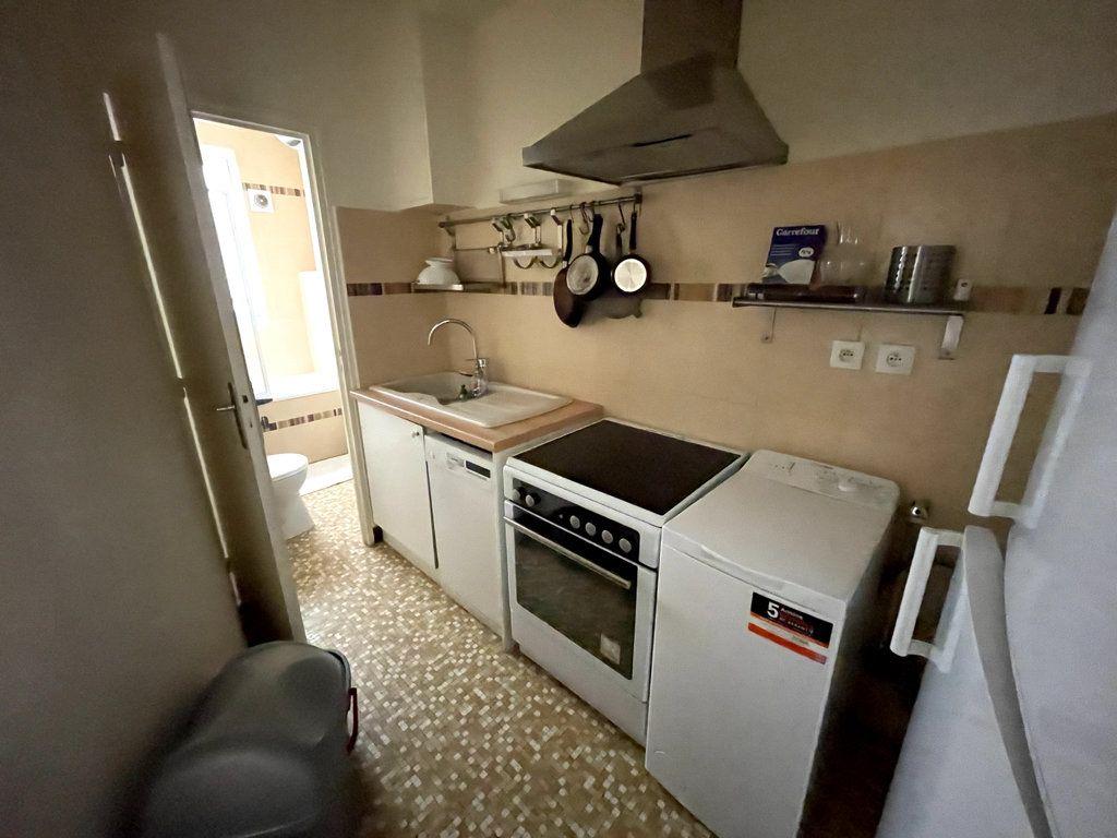Appartement à louer 2 32.23m2 à Paris 7 vignette-4