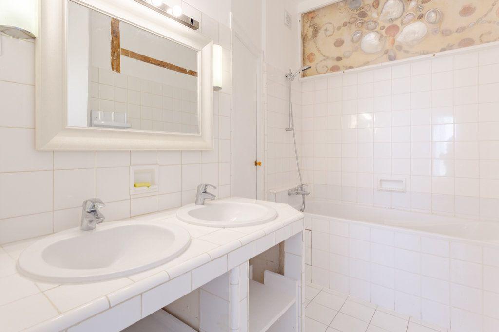 Appartement à louer 3 78.63m2 à Paris 7 vignette-6