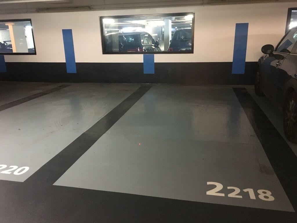 Stationnement à louer 0 10m2 à Paris 7 vignette-2