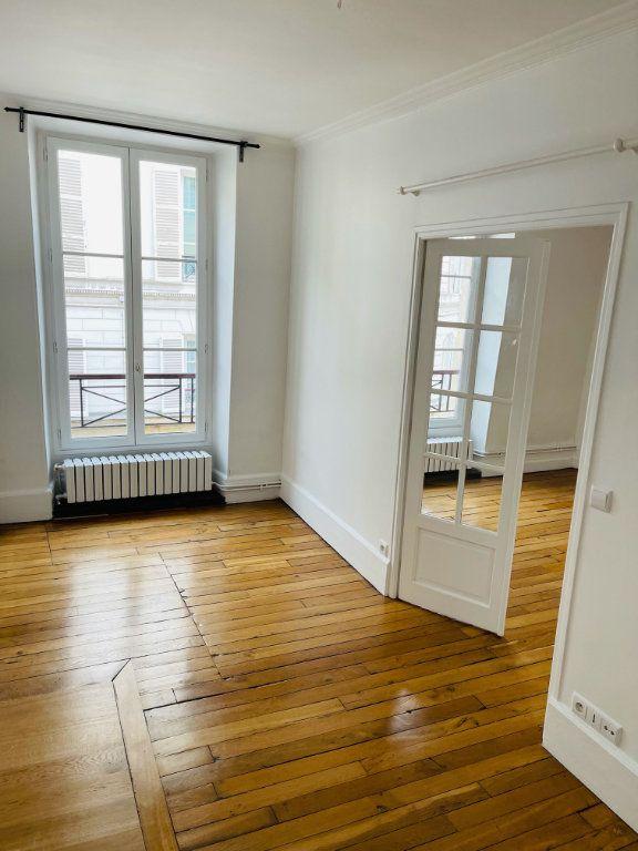 Appartement à louer 2 36.92m2 à Paris 7 vignette-4
