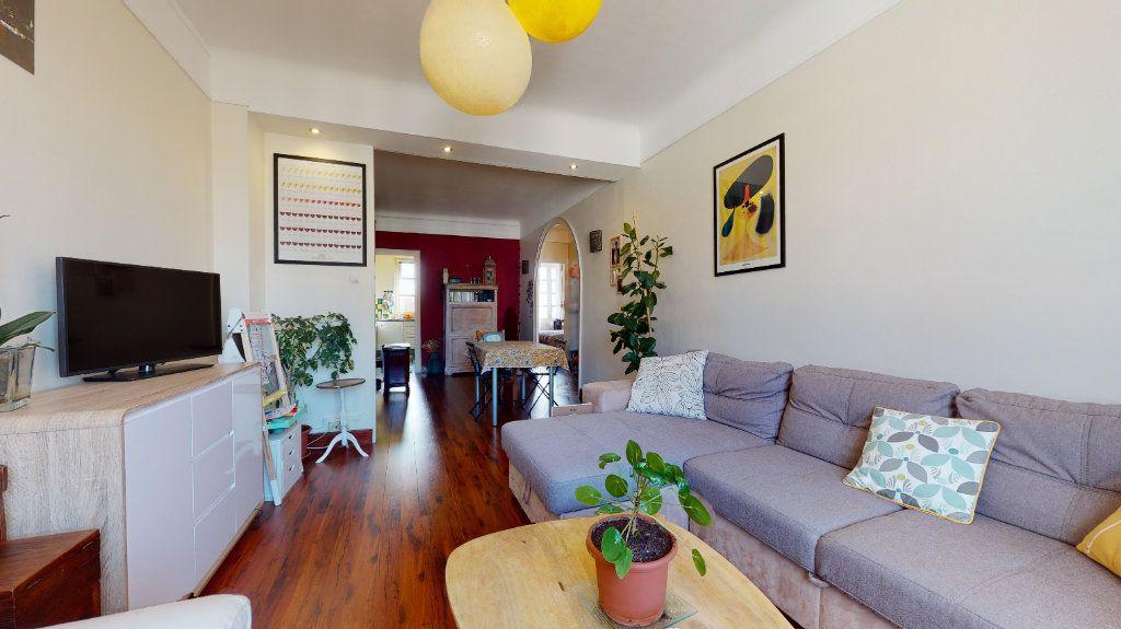 Appartement à vendre 3 77.59m2 à Lyon 7 vignette-1