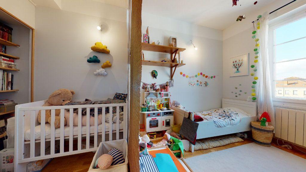 Appartement à vendre 3 77.59m2 à Lyon 7 vignette-4