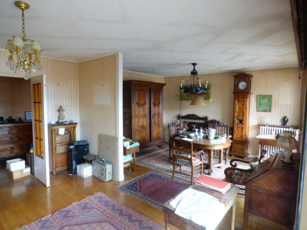 Appartement à vendre 6 131.45m2 à Lyon 7 vignette-4