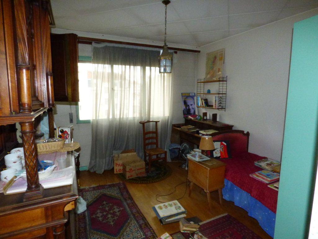 Appartement à vendre 6 131.45m2 à Lyon 7 vignette-10