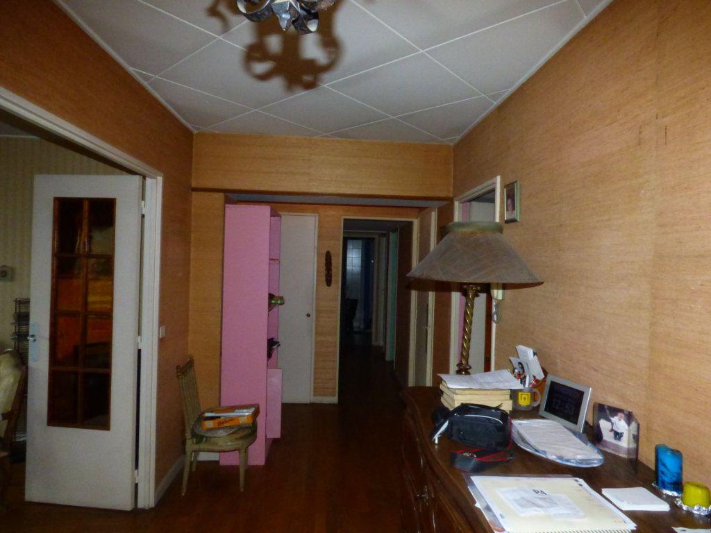 Appartement à vendre 6 131.45m2 à Lyon 7 vignette-11