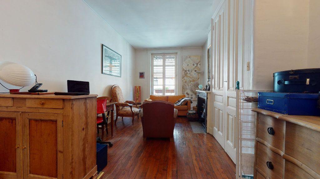 Appartement à vendre 3 70.09m2 à Lyon 7 vignette-3