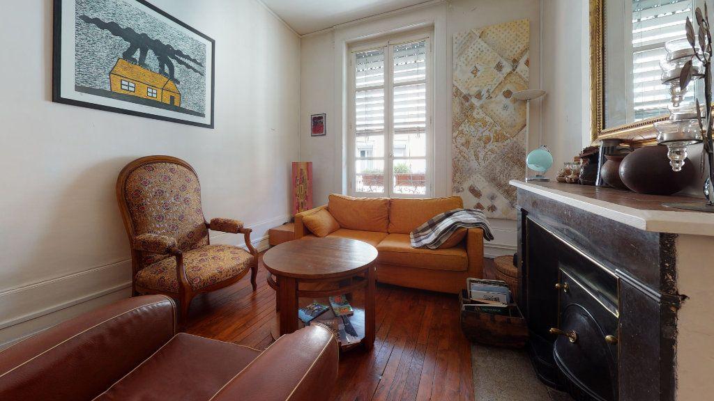 Appartement à vendre 3 70.09m2 à Lyon 7 vignette-5