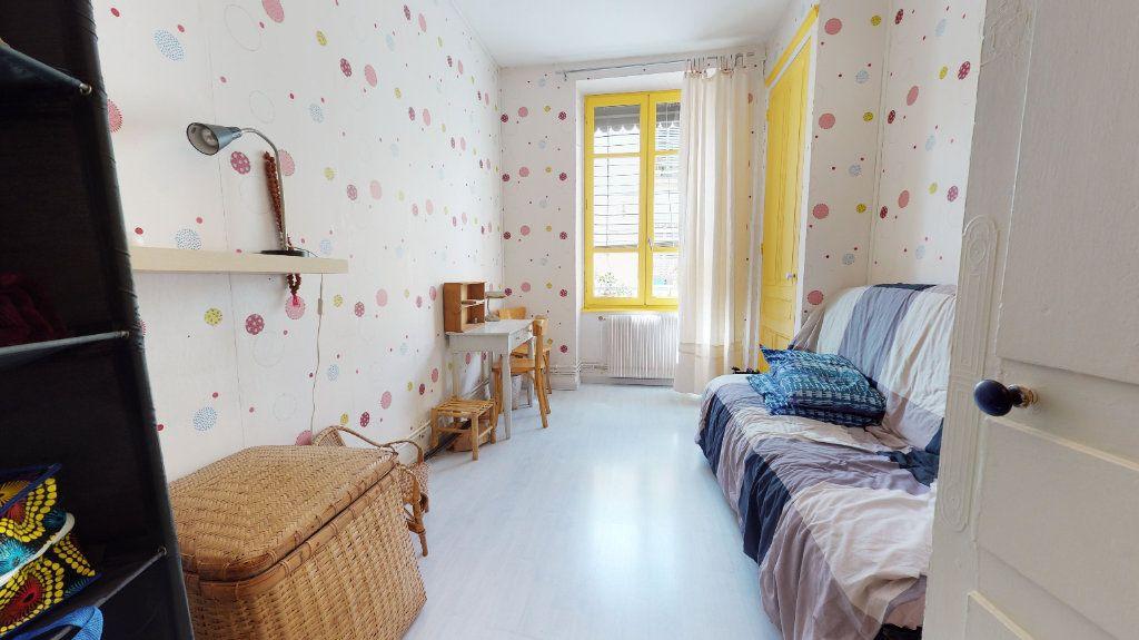 Appartement à vendre 3 70.09m2 à Lyon 7 vignette-8