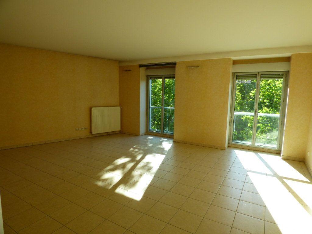 Appartement à vendre 6 120m2 à Lyon 7 vignette-1
