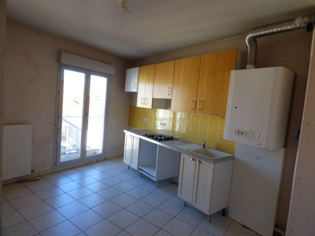 Appartement à vendre 6 120m2 à Lyon 7 vignette-2
