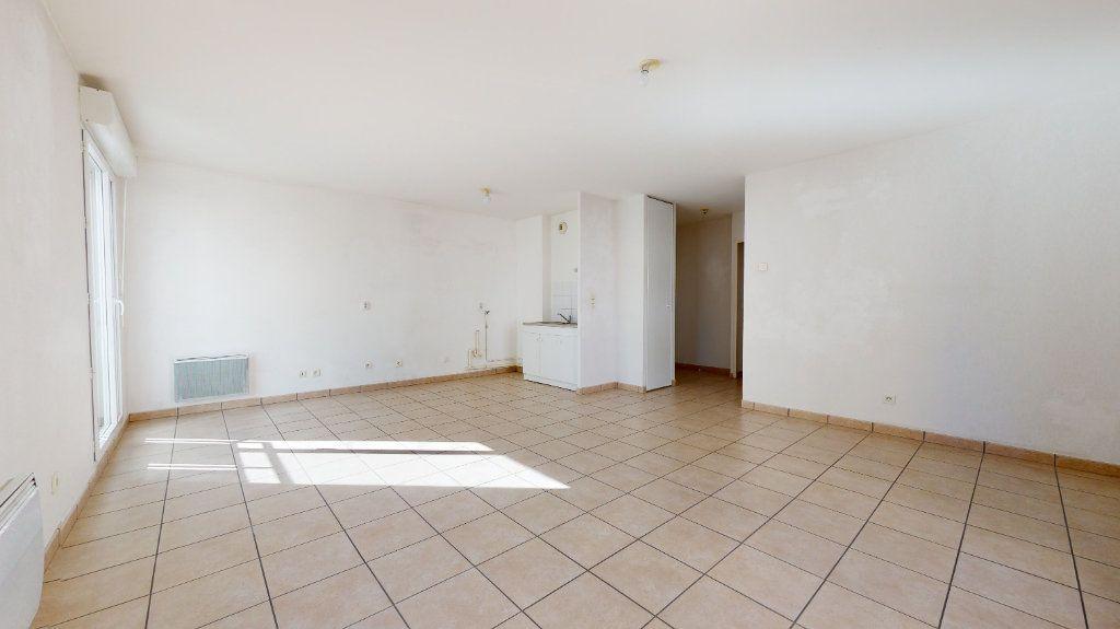 Appartement à vendre 3 61.22m2 à Lyon 7 vignette-8