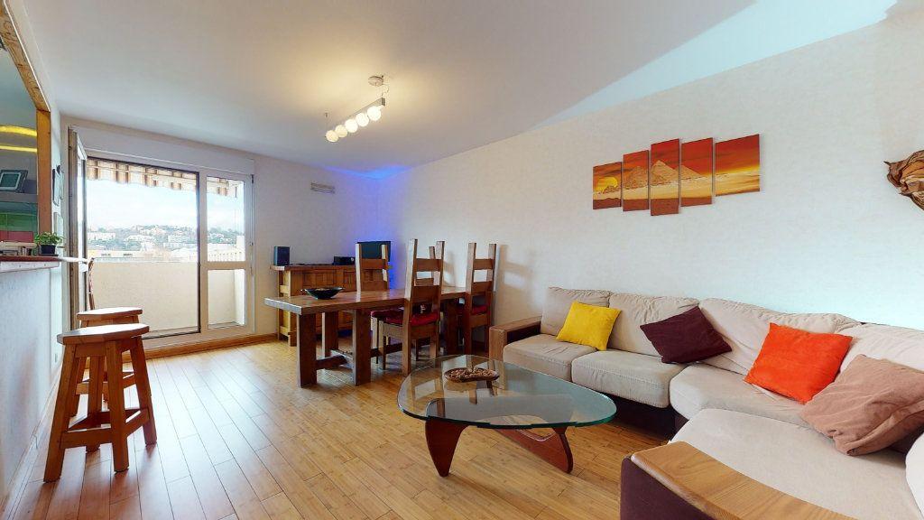 Appartement à vendre 4 78.52m2 à Lyon 7 vignette-1