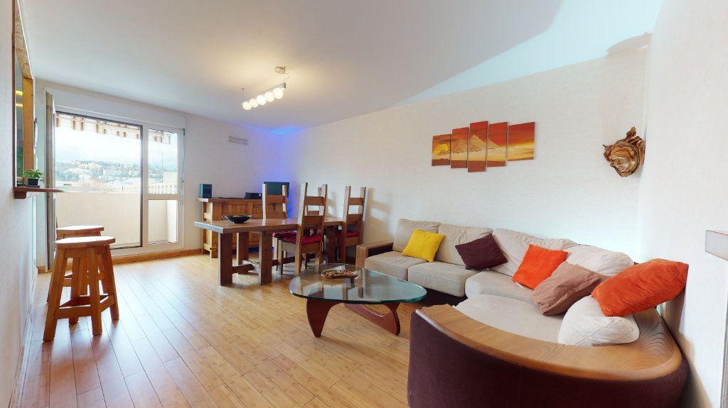 Appartement à vendre 4 78.52m2 à Lyon 7 vignette-6
