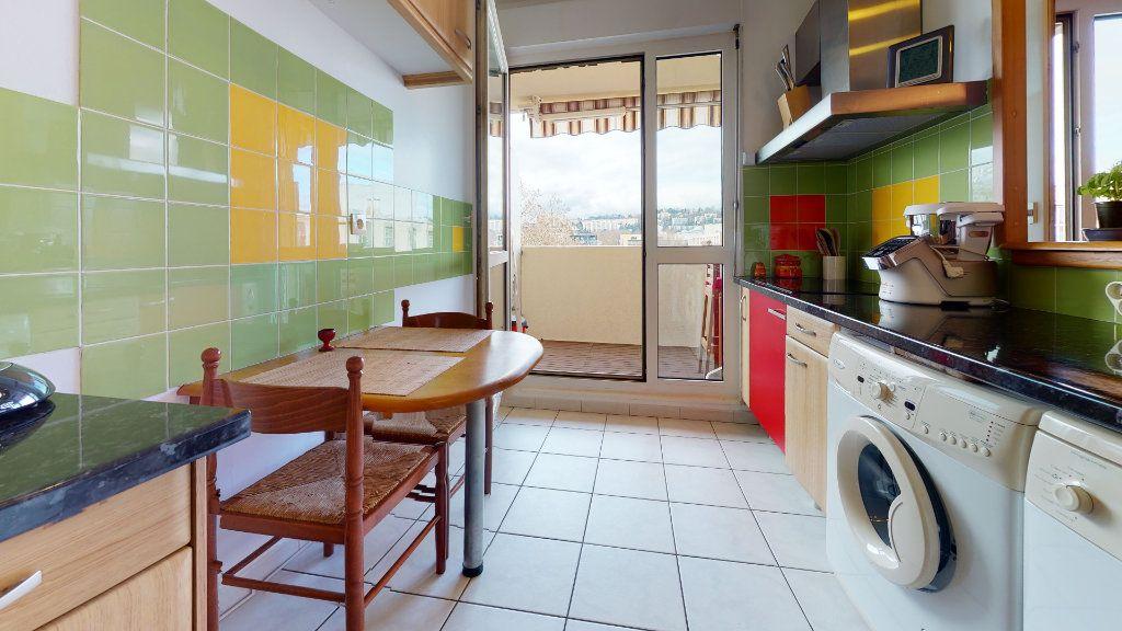 Appartement à vendre 4 78.52m2 à Lyon 7 vignette-9