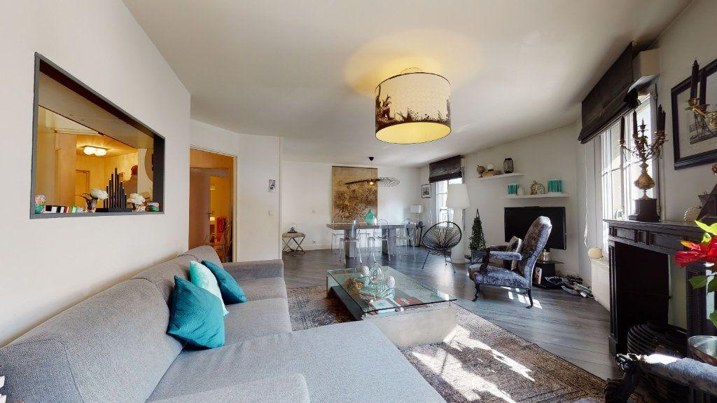 Appartement à vendre 4 100.33m2 à Lyon 7 vignette-1