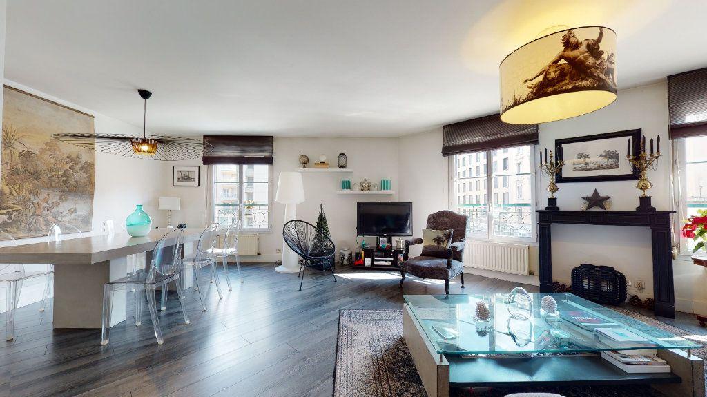 Appartement à vendre 4 100.33m2 à Lyon 7 vignette-7
