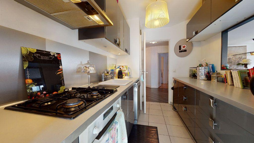 Appartement à vendre 4 100.33m2 à Lyon 7 vignette-8