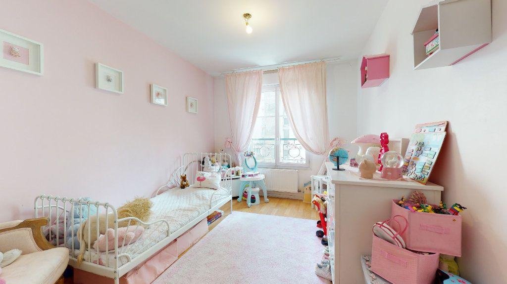 Appartement à vendre 4 100.33m2 à Lyon 7 vignette-11
