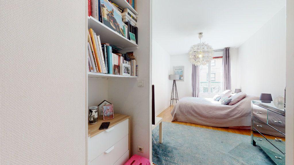 Appartement à vendre 4 100.33m2 à Lyon 7 vignette-12