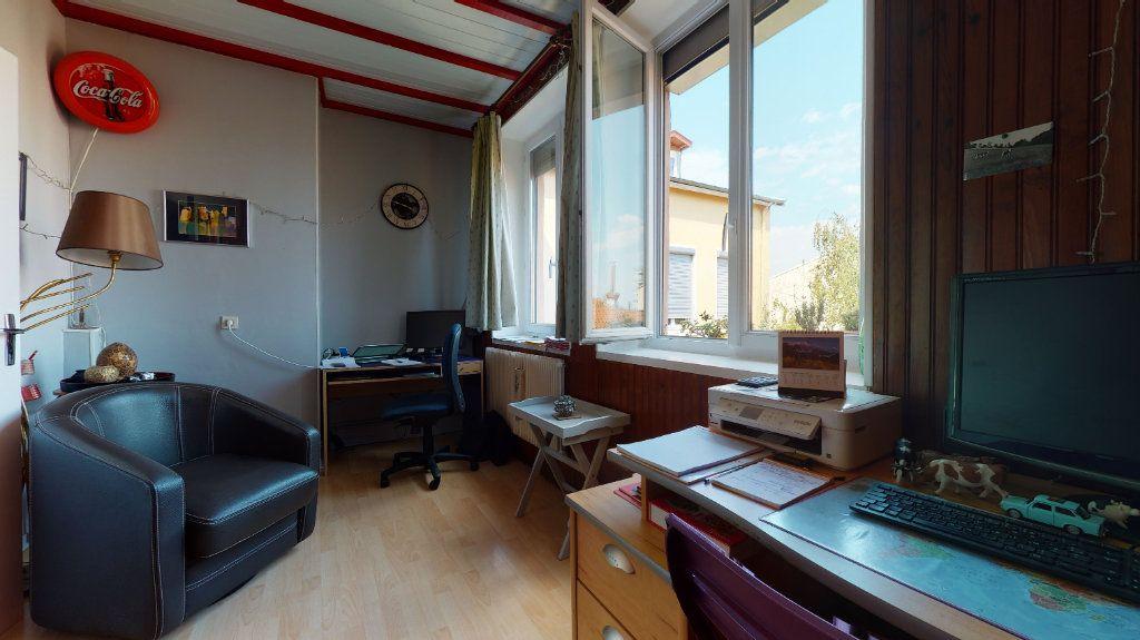 Appartement à vendre 5 140m2 à Lyon 4 vignette-2