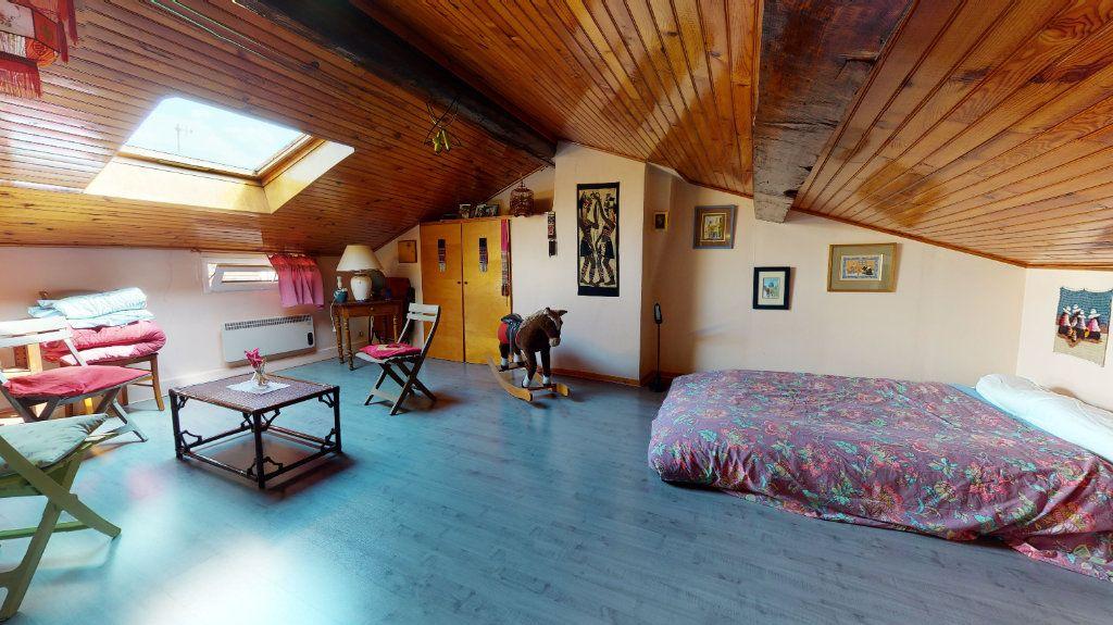 Appartement à vendre 5 140m2 à Lyon 4 vignette-3