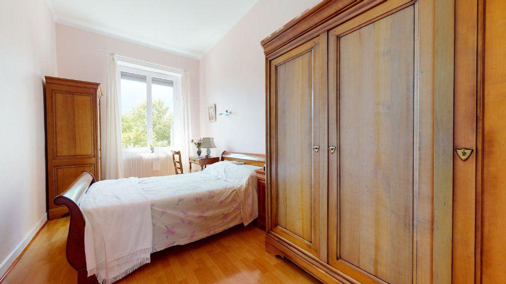 Appartement à vendre 5 140m2 à Lyon 4 vignette-6