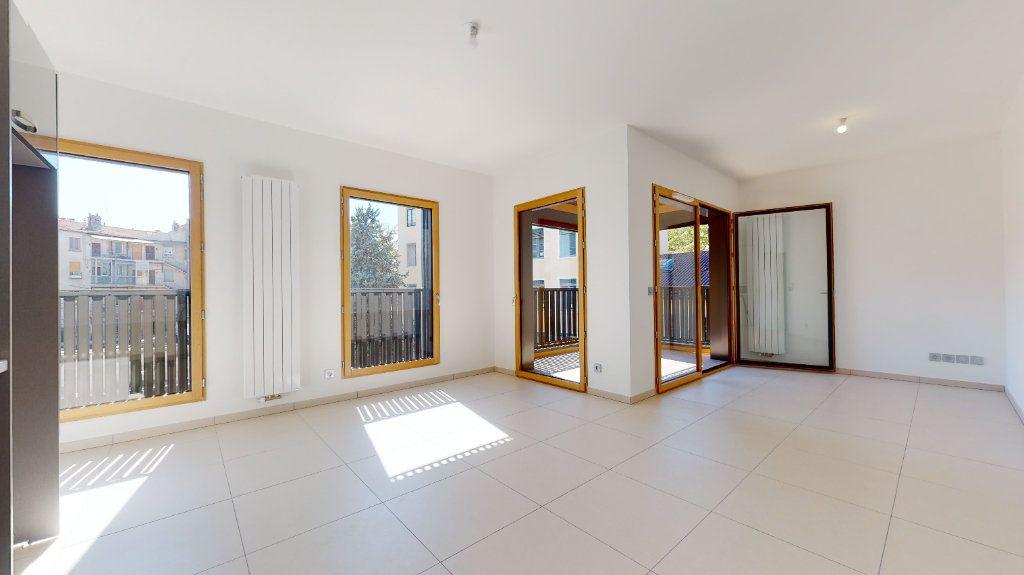 Appartement à vendre 3 63.34m2 à Lyon 4 vignette-1