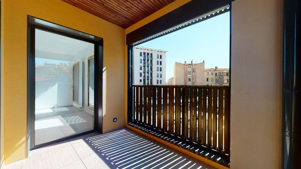 Appartement à vendre 3 63.34m2 à Lyon 4 vignette-2
