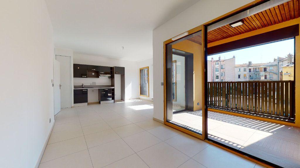 Appartement à vendre 3 63.34m2 à Lyon 4 vignette-4