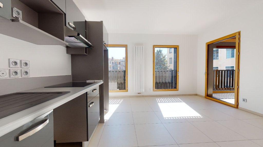 Appartement à vendre 3 63.34m2 à Lyon 4 vignette-8