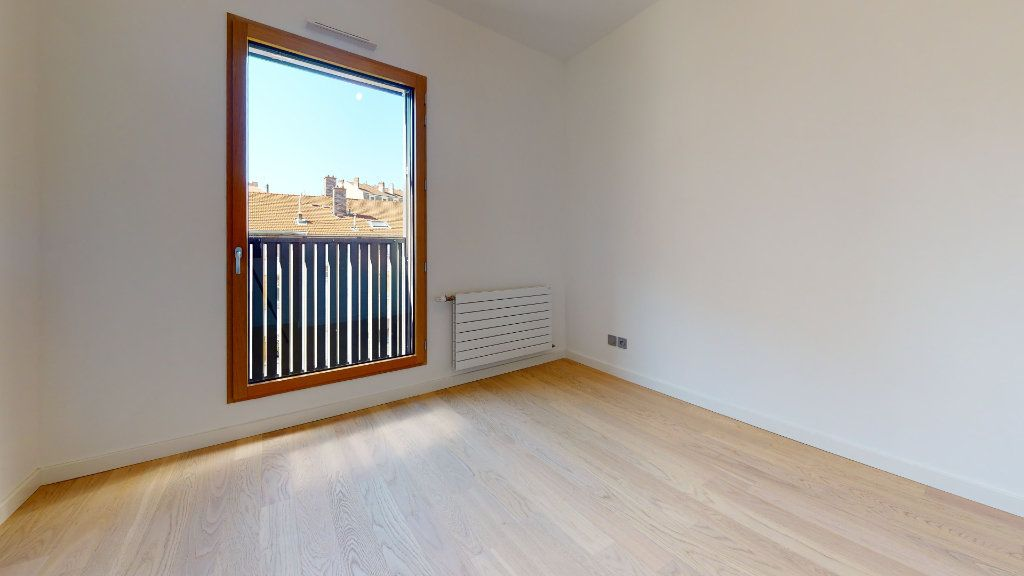 Appartement à vendre 3 63.34m2 à Lyon 4 vignette-10