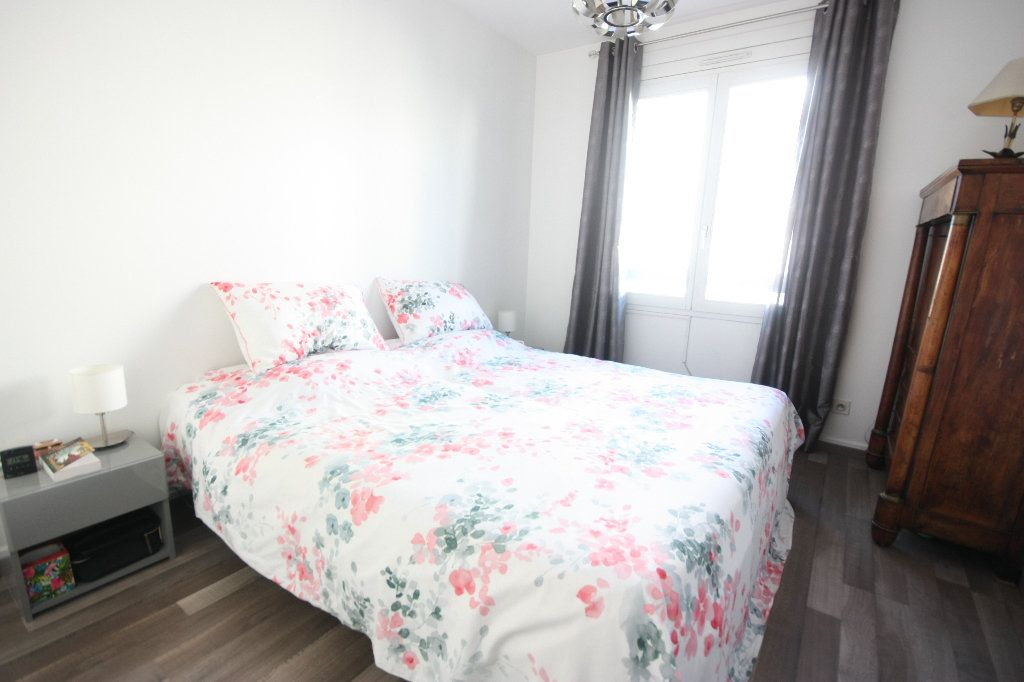 Appartement à vendre 4 107.02m2 à Lyon 7 vignette-7