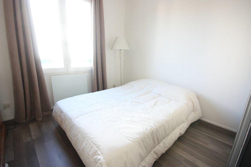 Appartement à vendre 4 107.02m2 à Lyon 7 vignette-8