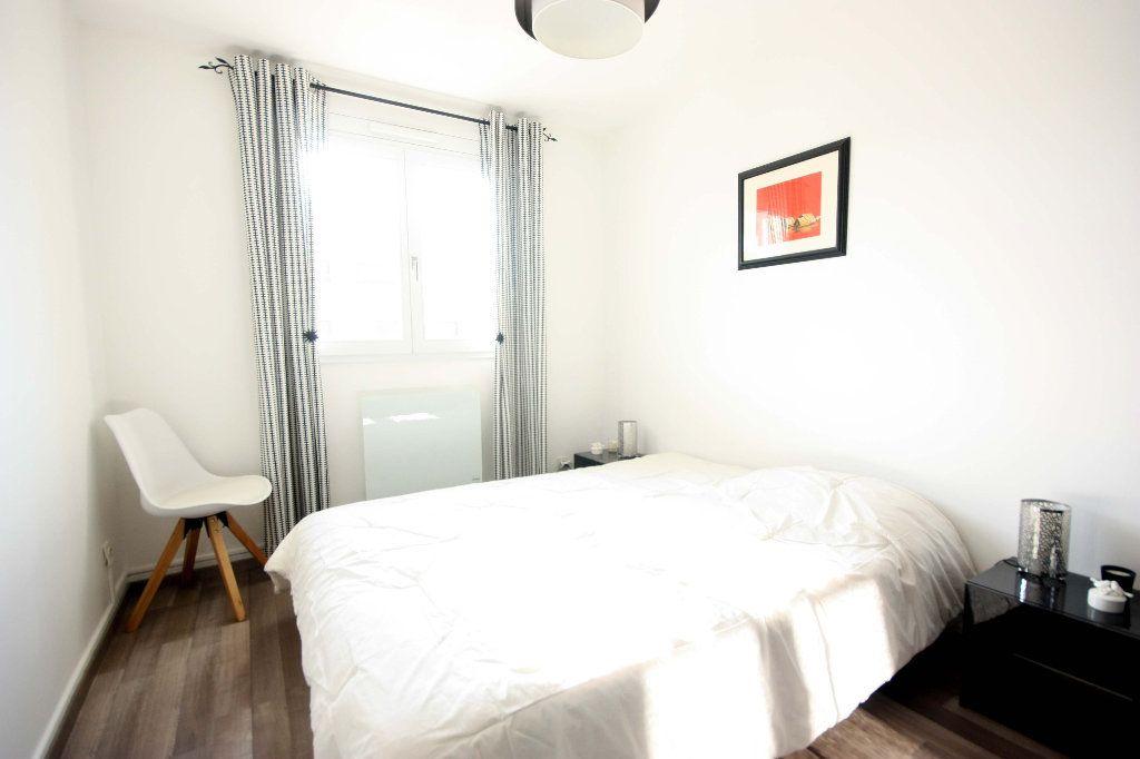 Appartement à vendre 4 107.02m2 à Lyon 7 vignette-9