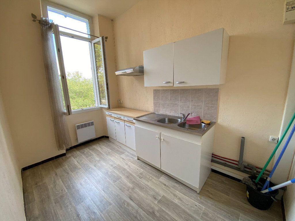 Appartement à louer 1 25m2 à La Seyne-sur-Mer vignette-3