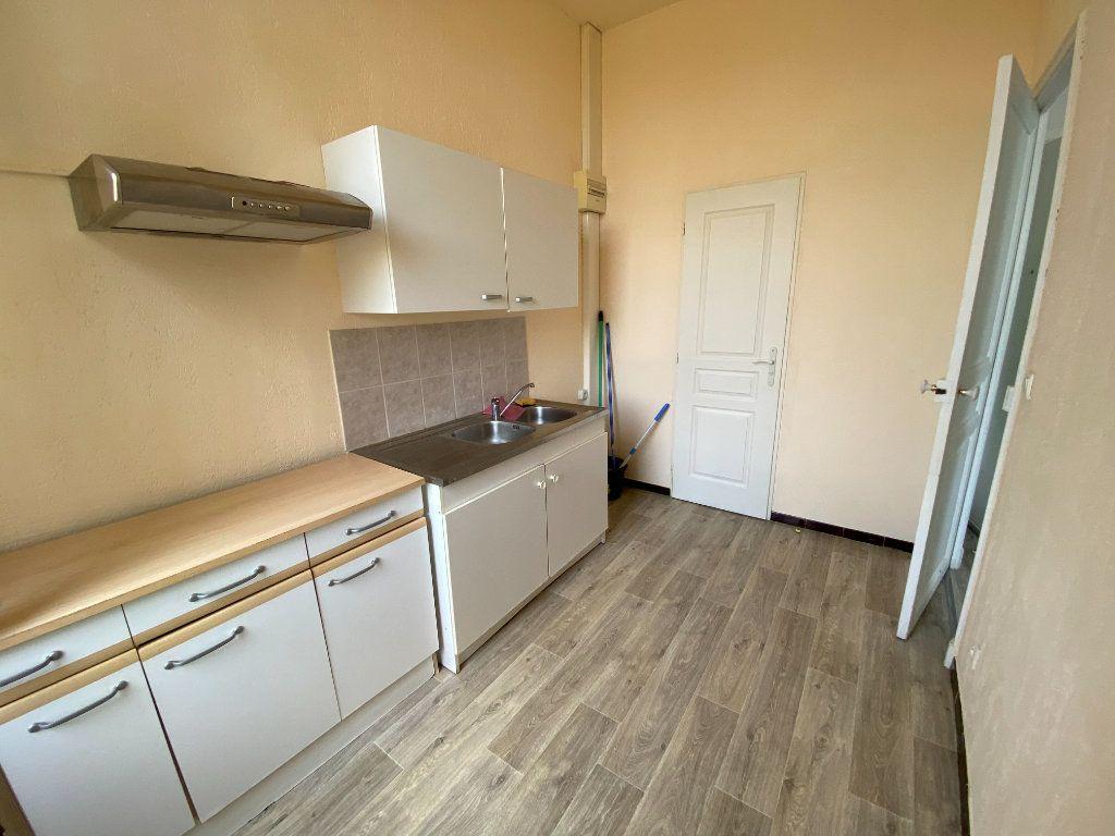 Appartement à louer 1 25m2 à La Seyne-sur-Mer vignette-4
