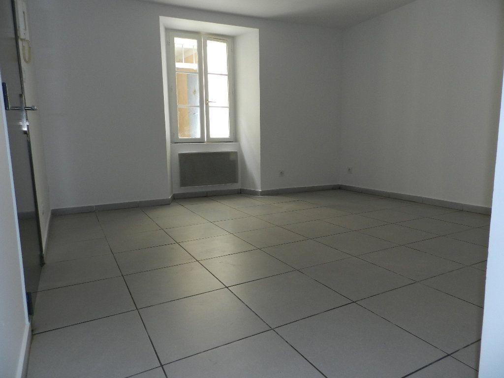 Appartement à louer 2 32.47m2 à La Seyne-sur-Mer vignette-1