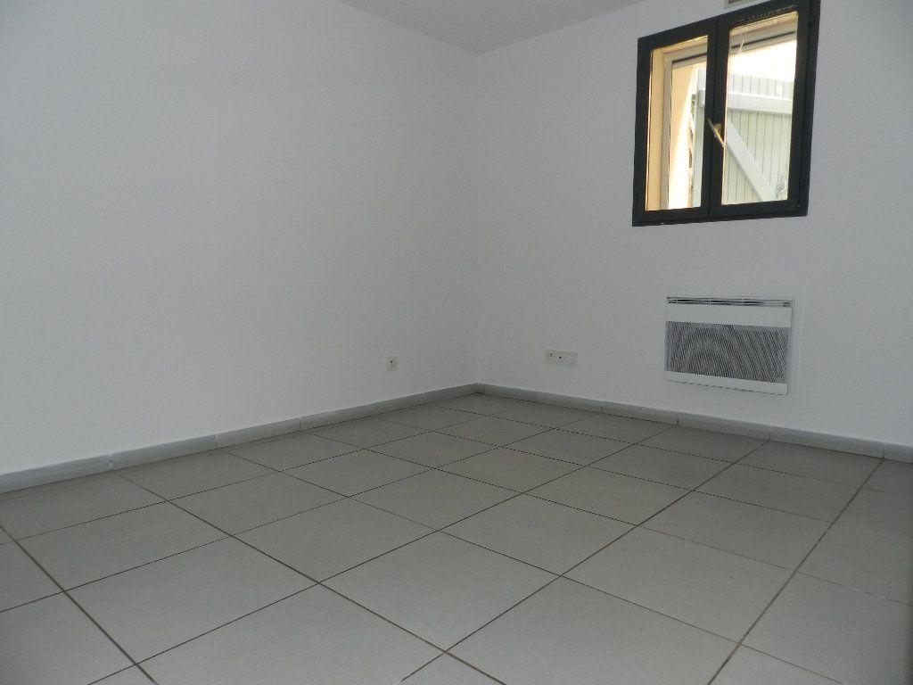 Appartement à louer 2 32.47m2 à La Seyne-sur-Mer vignette-4