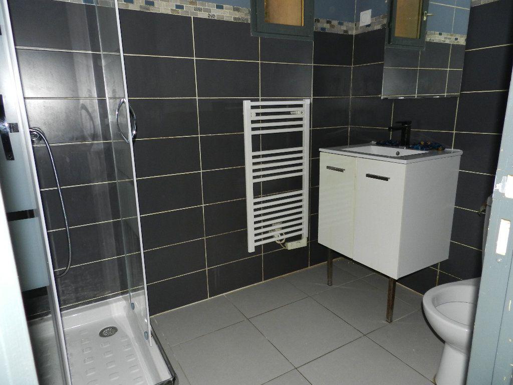 Appartement à louer 2 32.47m2 à La Seyne-sur-Mer vignette-5