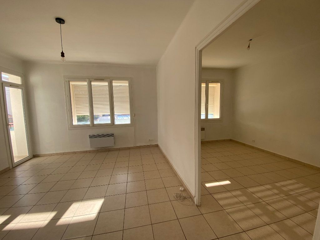 Appartement à louer 4 64m2 à La Seyne-sur-Mer vignette-1