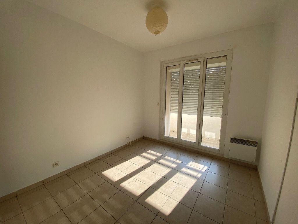 Appartement à louer 4 64m2 à La Seyne-sur-Mer vignette-9