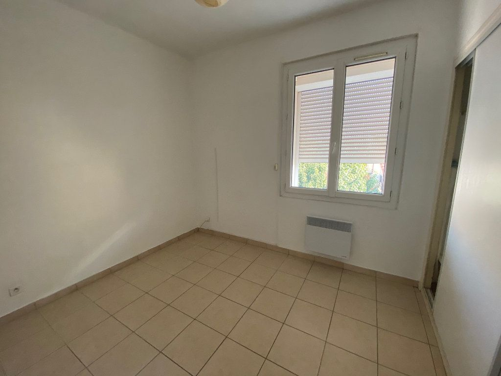 Appartement à louer 4 64m2 à La Seyne-sur-Mer vignette-11