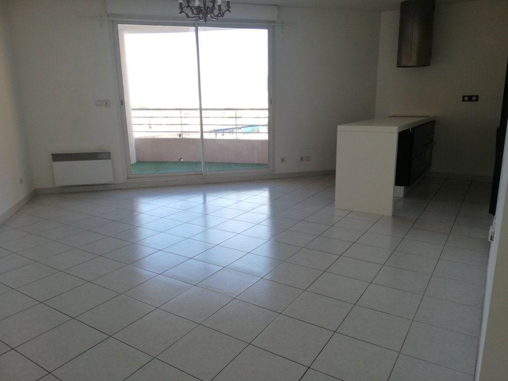 Appartement à louer 2 47m2 à La Seyne-sur-Mer vignette-3