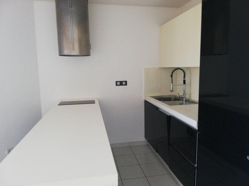 Appartement à louer 2 47m2 à La Seyne-sur-Mer vignette-5