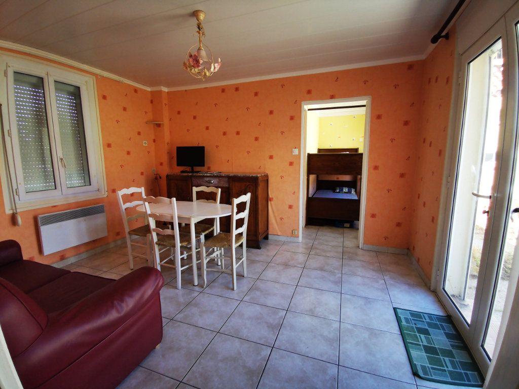 Appartement à vendre 2 34.75m2 à Sanary-sur-Mer vignette-2