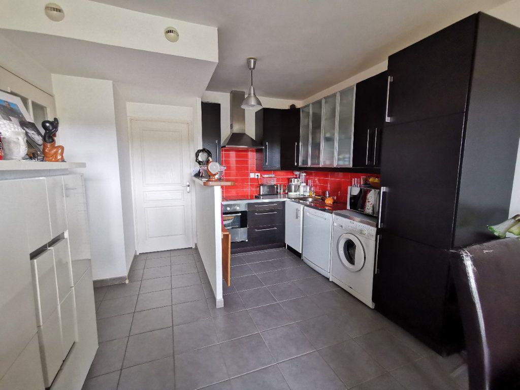 Appartement à vendre 3 52.92m2 à Six-Fours-les-Plages vignette-2