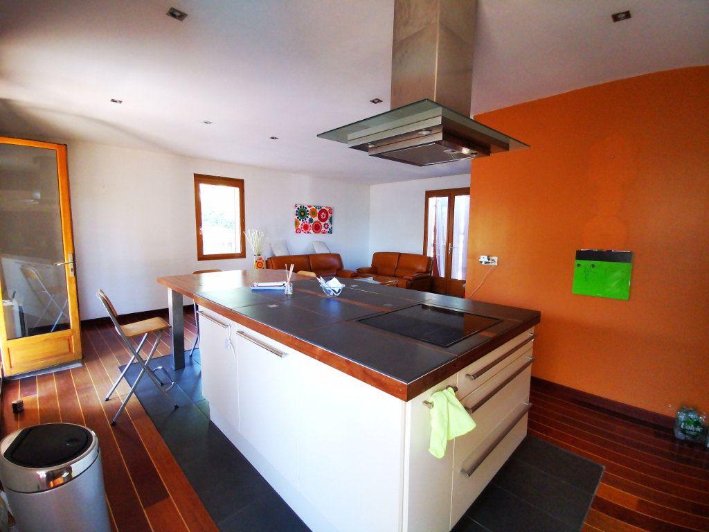 Maison à vendre 5 100m2 à La Seyne-sur-Mer vignette-3