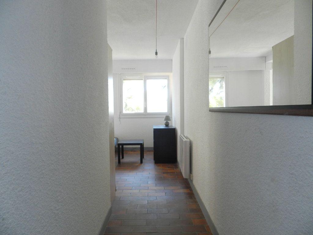 Appartement à louer 1 24.86m2 à La Seyne-sur-Mer vignette-5