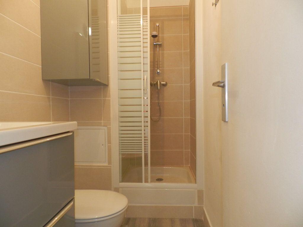 Appartement à louer 1 24.86m2 à La Seyne-sur-Mer vignette-6